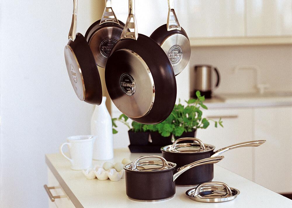 How to clean Circulon non-stick cookware - range shot