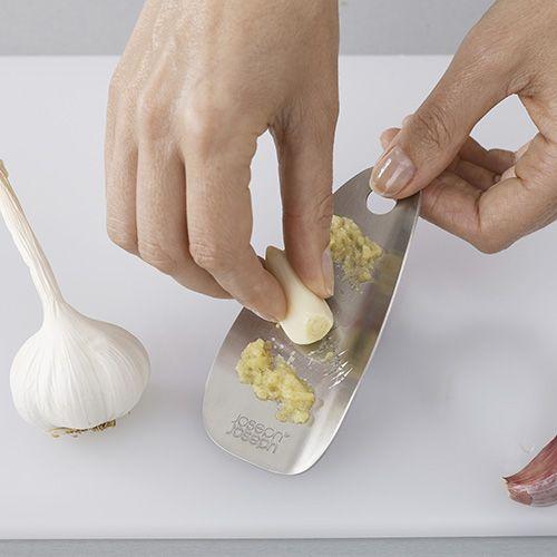 Joseph Joseph Shred-Line Garlic & Ginger Grater