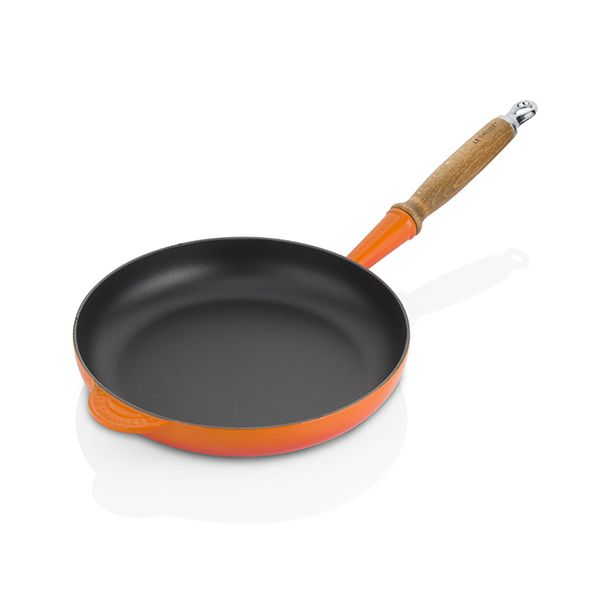 Le Creuset Signature Volcanic Cast Iron 26cm Frying Pan With Wood Handle