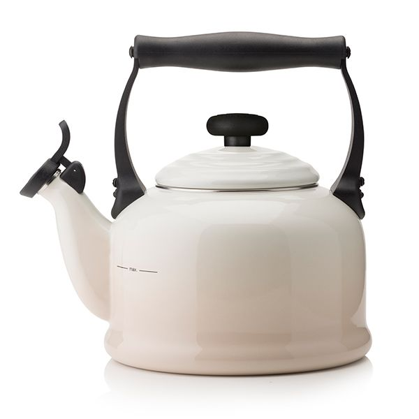 Le Creuset Meringue Traditional Kettle