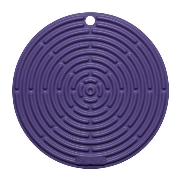 Le Creuset Ultra Violet Round Cool Tool
