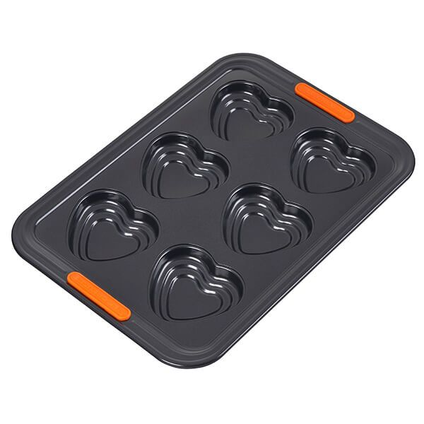 Le Creuset Bakeware 6 Cup Tiered Heart Tray
