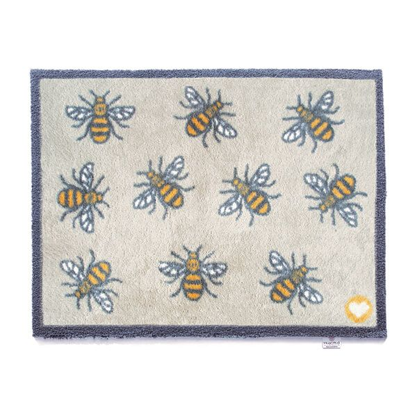 Hug Rug Pattern Bee 1