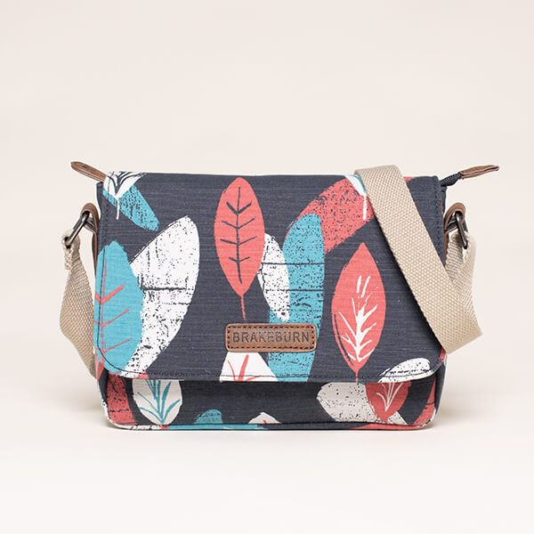 Brakeburn Textured Leaf Roo Pouch