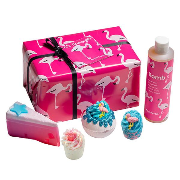 Bomb Cosmetics Lets Flamingle Gift Pack