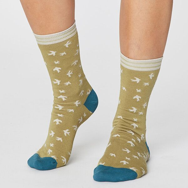 Thought Pear Green Swallow Bird Socks Size 4-7