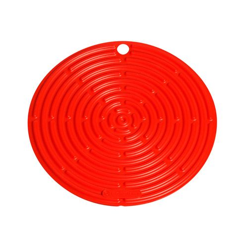 Le Creuset Volcanic Round Cool Tool