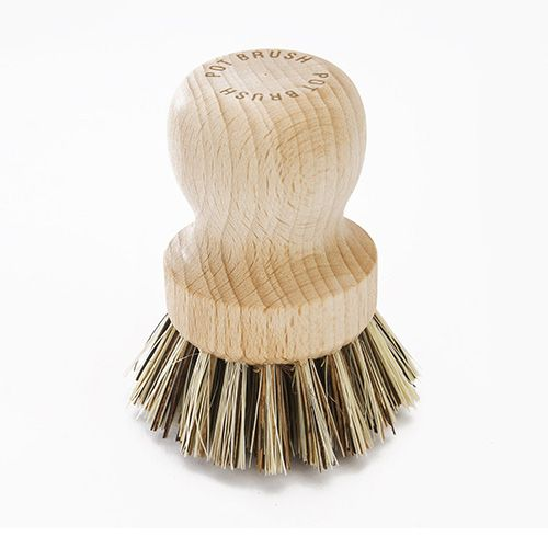 Valet Pot Brush With Stiff Plant Fibre Bristles