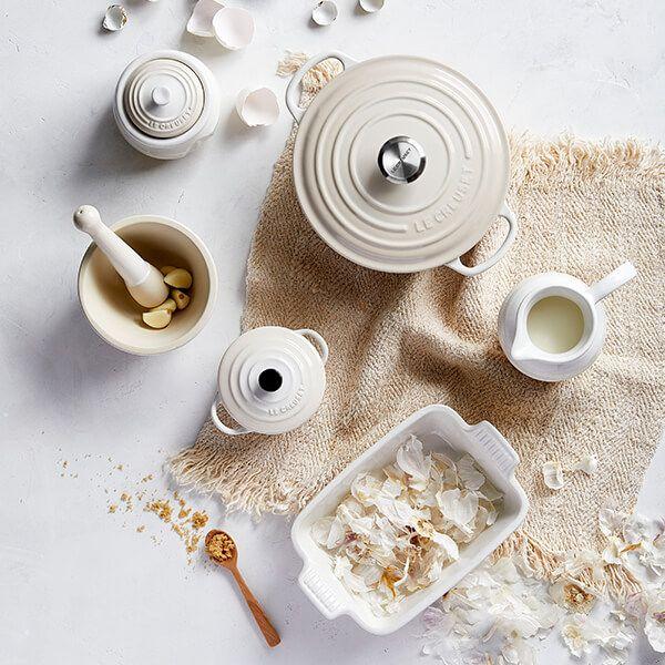 Le Creuset Meringue Stoneware Garlic Keeper 70832307160000   Harts of Stur