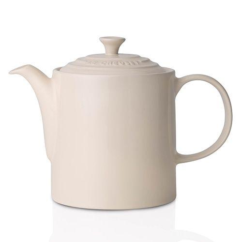 Le Creuset Almond Stoneware Grand Teapot