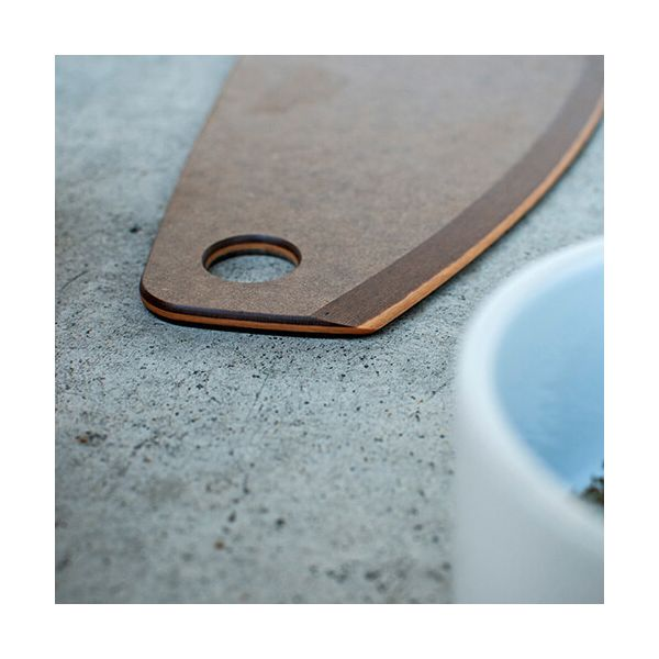 "Epicurean Signature Wood Composite 16"" Nutmeg / Natural Pizza Cutter"