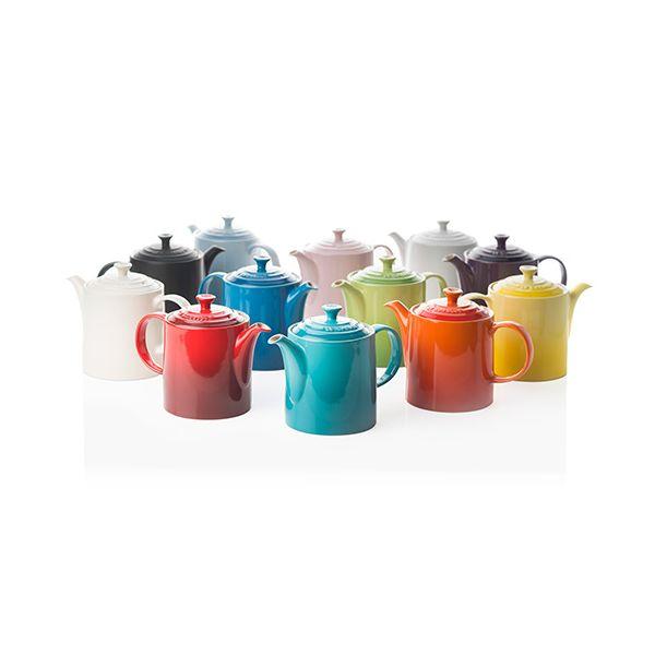Le Creuset Volcanic Stoneware Grand Teapot