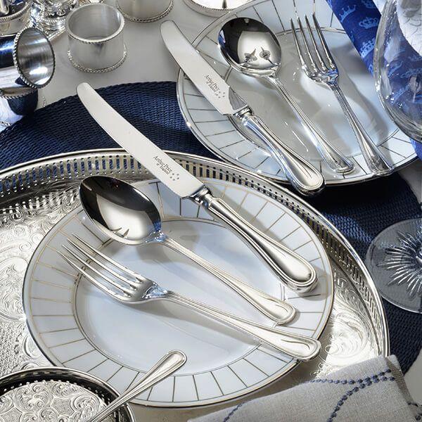 Arthur Price of England Sovereign Silver Plate Britannia 24 Piece Cutlery Box Set