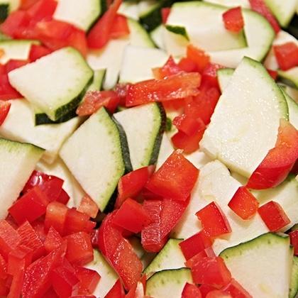 Chop with the KitchenAid Artisan 4L Food Processor