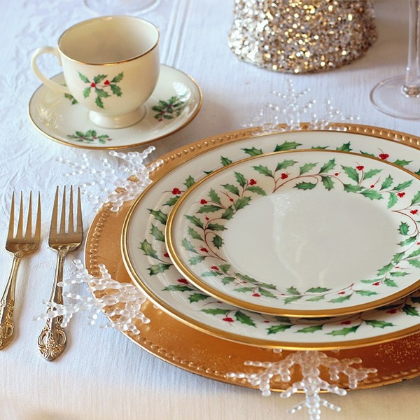 Christmas Dining & Tableware