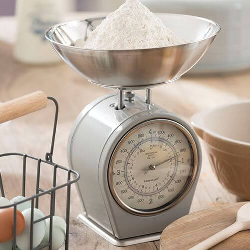 Measuring Cups, Jugs & Scales