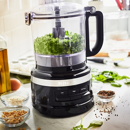 Make oils & dressing with the KitchenAid 1.7L Food Processor