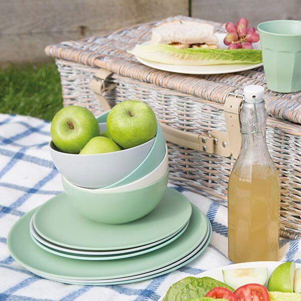 Picnic Tableware