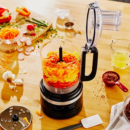Slice and Chop with the KitchenAid 2.1L Food Processor