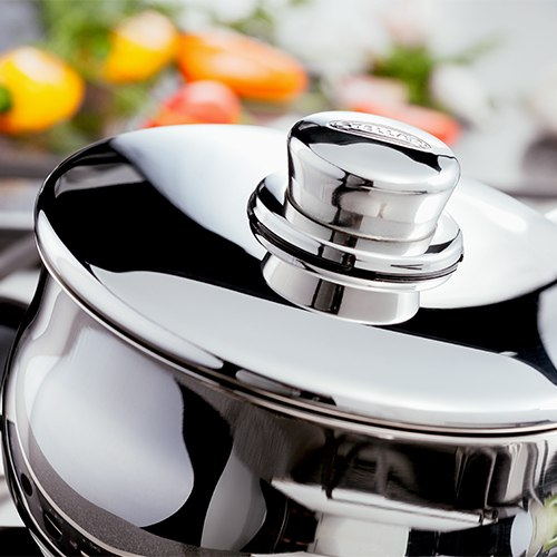 Close up of a Stellar 1000 Saucepan, with a classic domus shape and polished finish.
